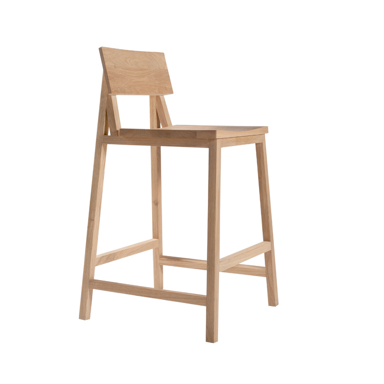Ethnicraft N3 Solid Oak Bar Stool Stylish Design at 4Living : solidoakbarstoolchair209008zoom from www.4living.co.uk size 750 x 750 jpeg 68kB