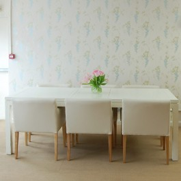 White Lacquer Extending Dining Table
