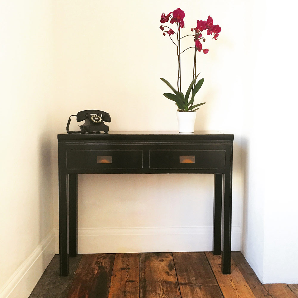 Charming ... Chinese Black Lacquer Console Table. Image 1