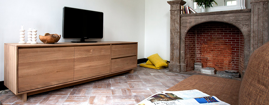 Popular Solid Oak TV Units