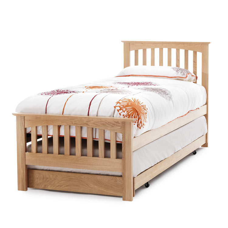 solid oak bed windsor oak single guest bed 4living. Black Bedroom Furniture Sets. Home Design Ideas
